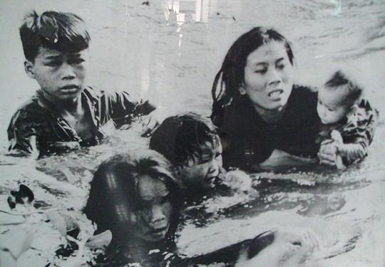 Kobieta z dziecmi