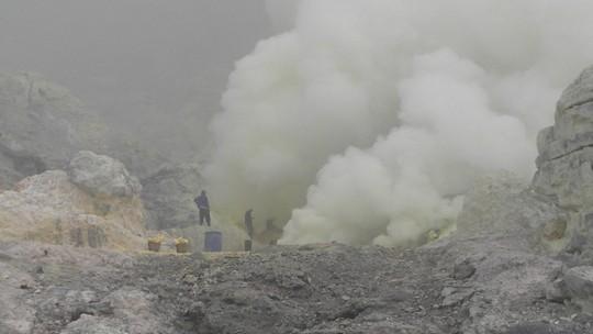 W kraterze Ijen
