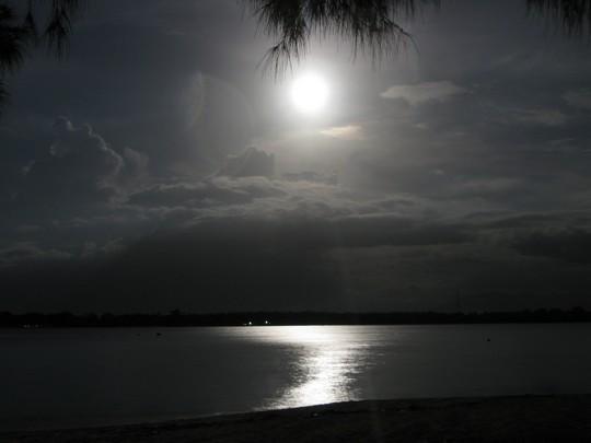 Księżyc nad Gili
