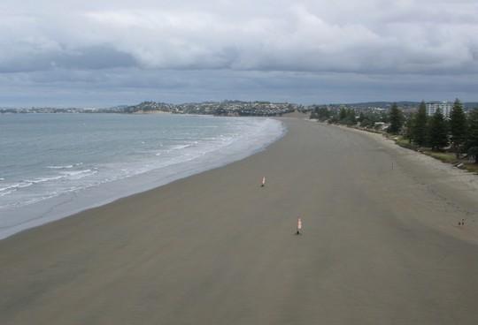 Żaglowozy na plaży wschodniego wybrzeża